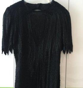 Продаётся вечернее платье в пол, вышитое бисером.