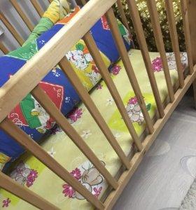 Детская кроватка +бортики
