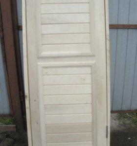 Деревянные двери в дом в баню