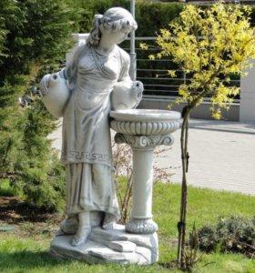 Скульптура для фонтана Дафна с кувшином