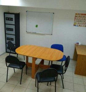 Ареда учебного класса с мебелью