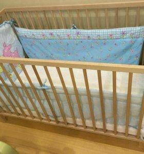 Кроватка ИКЕЯ с матрасом, бортиком и ванной