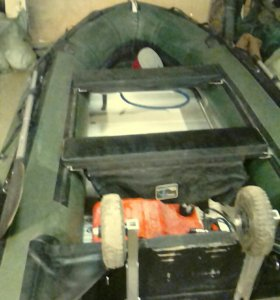 Мотолодка ПВХ с мотором.