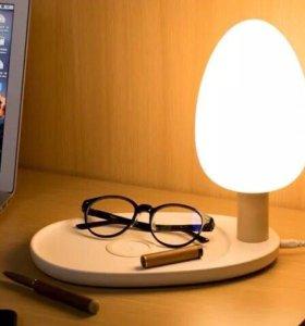 Оригинальный светильник с беспроводной зарядкой