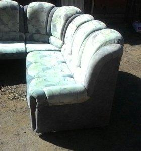 продаю угловой диван Б\У