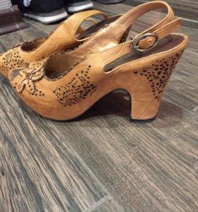 Туфли- босоножки