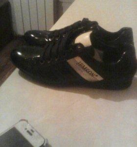 Туфли спортивные