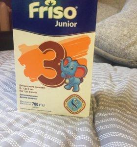 Смесь Friso Junior