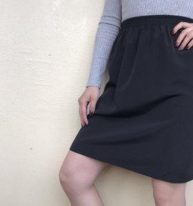 Чёрная прямая юбка строгая Moda Italiana