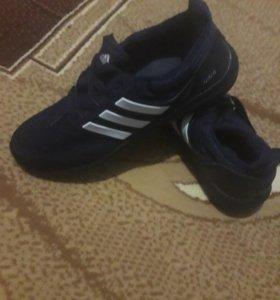 кроссовки новые!