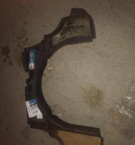 Пластик в багажник Лансер 10