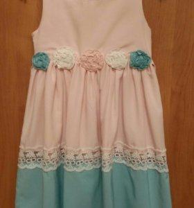 Платье с пояском.