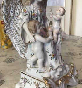 Фарфоровая статуэтка ангел и дети
