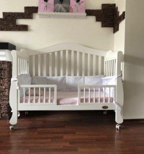 Детская кровать 3 в 1+ ортопедический матрац .