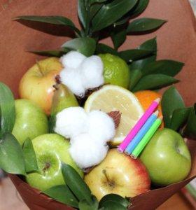 Букет из конфет и фруктов  любимым учителям