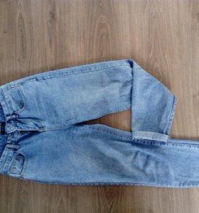 Джинсы с высокой талией (mom-jeans)