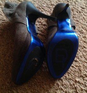 Туфли замшевые новые 35