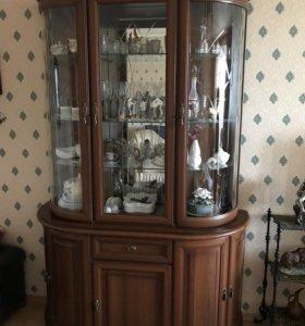Итальянский шкаф-витрина с подсветкой Миассмебель