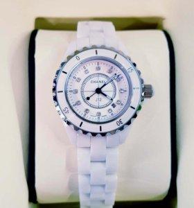 Женские часы CHANEL J12 MADEMOISELLE (35 мм)