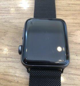 Часы Apple Watch 2 42mm ( потертости на экране)