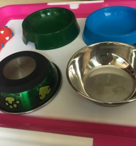 Набор: Лоток для щенков + 4 миски + игрушка