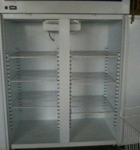 Холодильный шкаф