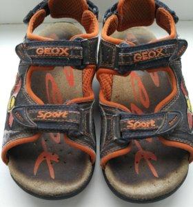 Босоножки,сандалии Geox