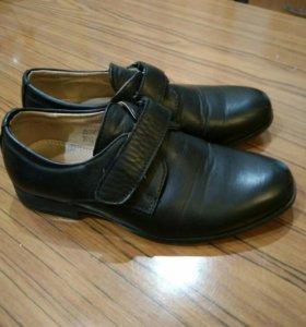 Ботинки на мальчика 33р.