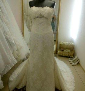 Свадебное платье от Simone Carvalli