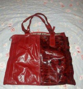 Новая красивая сумка из натуральной кожи