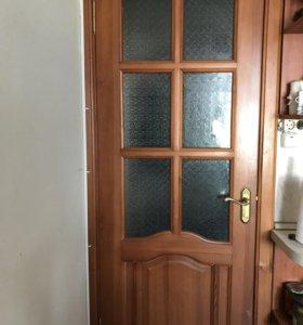 Дверь из массива б/у.