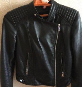 Продаю натуральную кожаную куртку