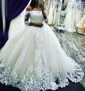 Свабедное платье новое