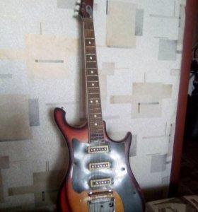 Советская електро гитара урал