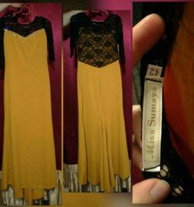 Платье в пол с небольшим шлейфом