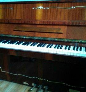 """Пианино """"Аккорд"""" 1985г"""