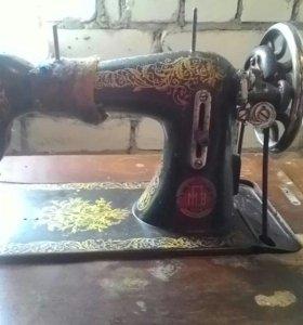 Швейная машинка (ножная) Подольск (ПМЗ)