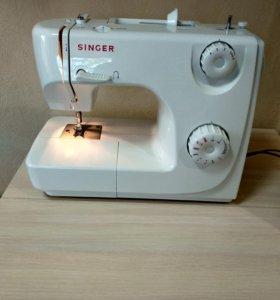 Швейная машинка Singer 8280.