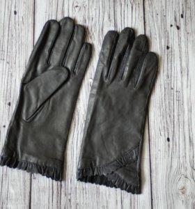 Теплые кожаные перчатки