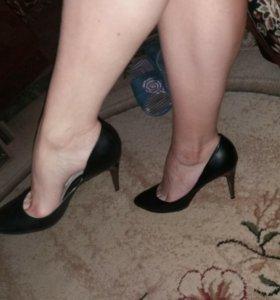 Туфли лодочки кожаные 39 размер