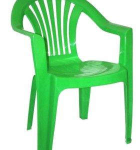 Продам пластиковые стулья 2штуки