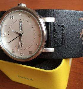 Часы FOSSIL новые
