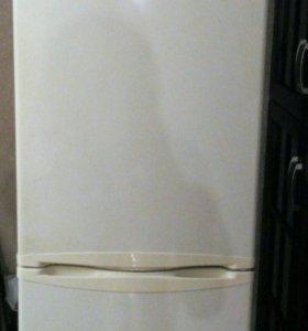 Холодильник LG (на запчасти либо дальнейший ремонт