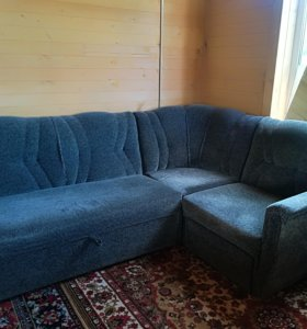 Угловой диван и стенка