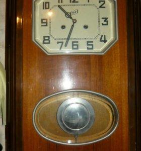 часы настеные с боем 1964 г есть даже чек и паспор