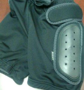 Защитные шорты Biont для занятий на роликах