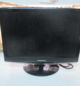 Монитор Samsung 933 NW