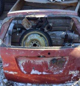Продам дверь багажника Corolla spacio