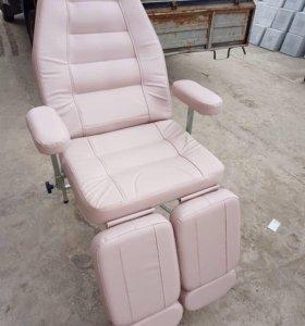 Педикюрно-косметологическое складное кресло