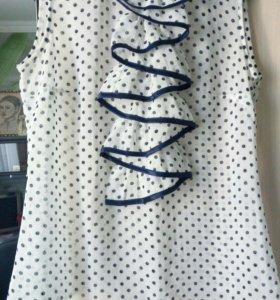 Белая шифоновая блузка в синий горошек